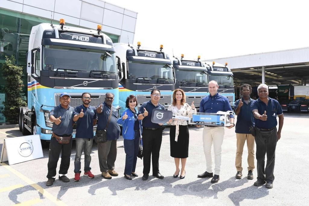 Volvo Trucks 8009