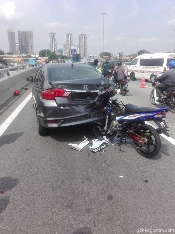 kemalangan moto kereta 2