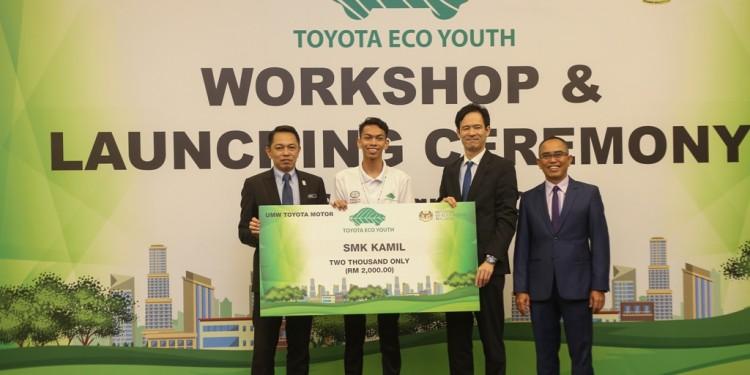From left_ Zainal Abas, Reynard Khoo Tzuen Lee , Yuji Tomobuchi and Rosden Rahmat