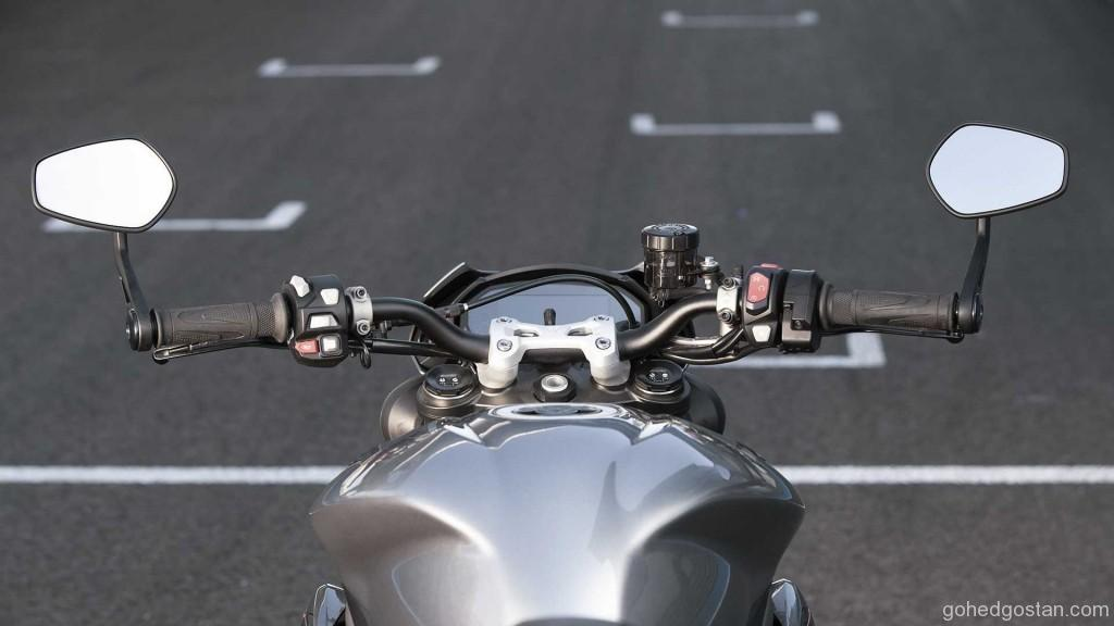 2020-triumph-street-triple-rs (9)