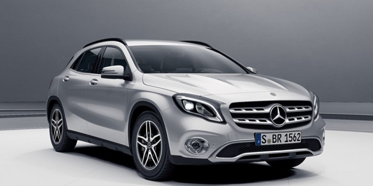 Mercedes-Benz GLA 200 (1)