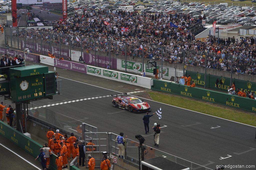 05 Ferrari enters the Le Mans Hypercar era_chequered flag_05