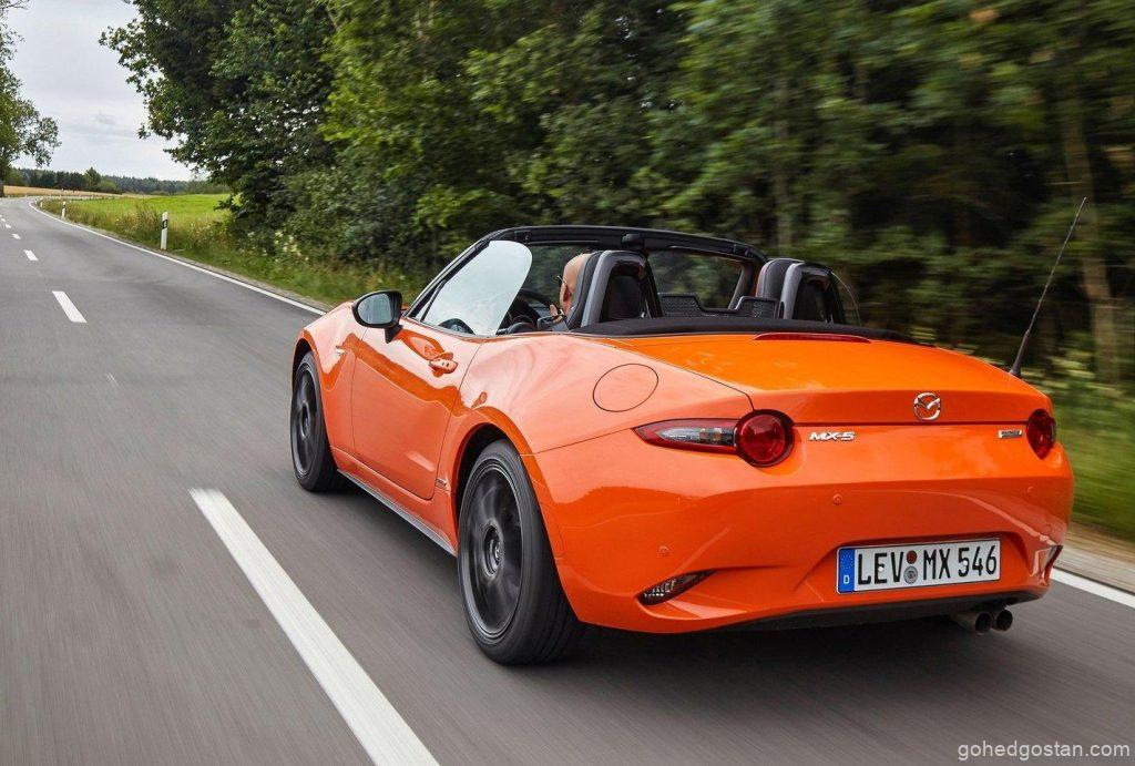 Mazda_MX-5_Reliable_moving-back-left_3.0
