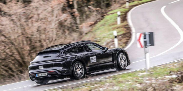 Porsche-taycan-cross-back-side-left-10