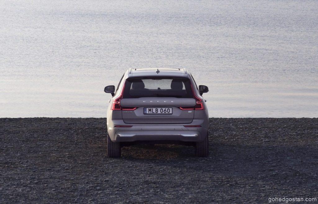 2022-Volvo-XC60-back-3-4.67