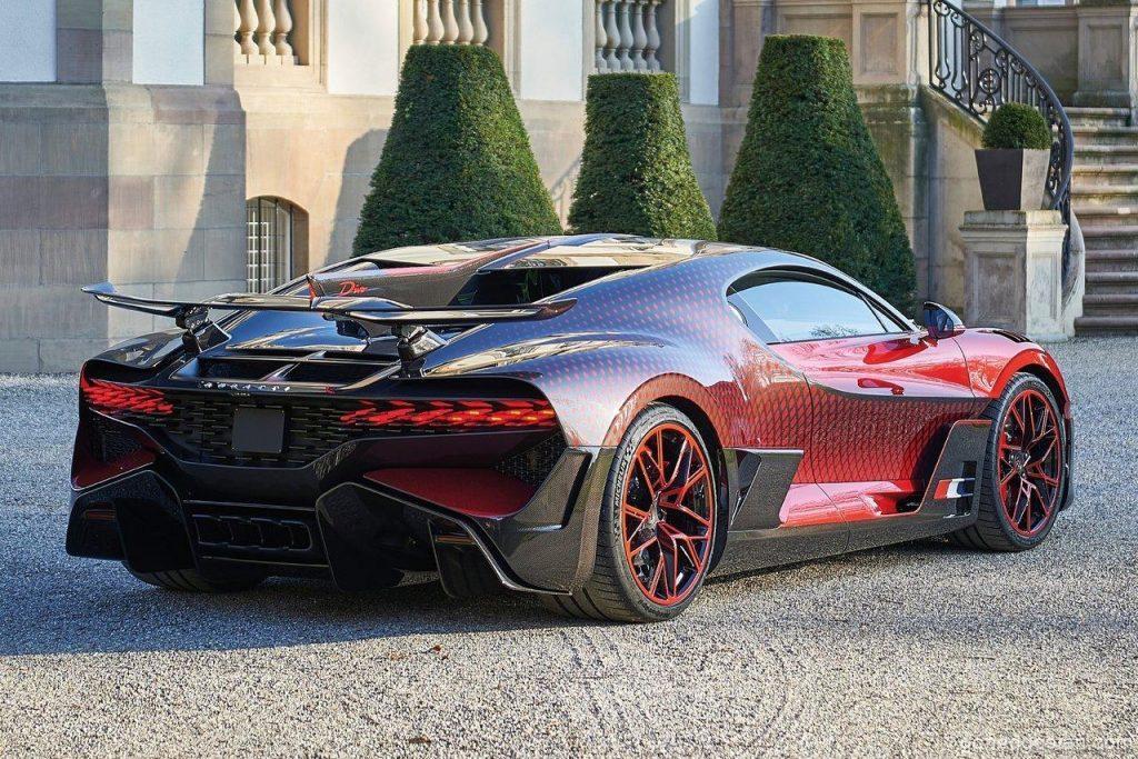 Bugatti-Divo-Lady-Bug-Back-Right-2.0