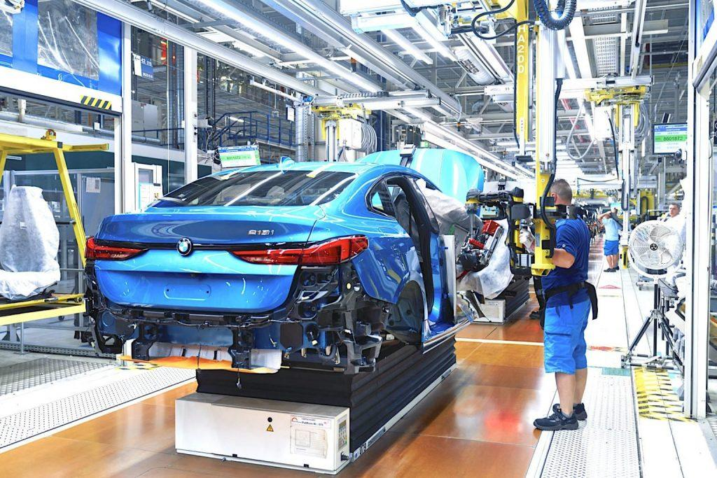 Reusable-BMWs-assemby-line-back-2.0