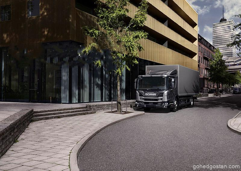 Rigid-boxed-body-designed-for-door-to-door-deliveries-in-an-urban-setting.jpg