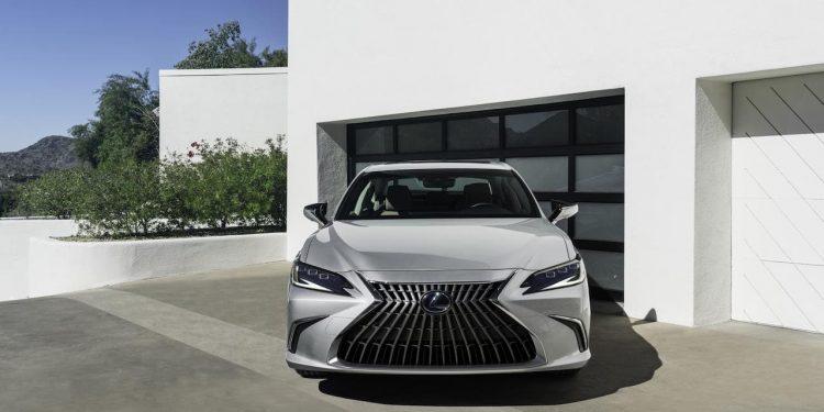 2022-Lexus-ES-Facelift-front 1.0
