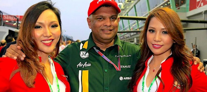 Caterham-Tony-Fernandes-Girls-1.0