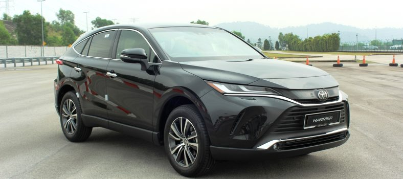 toyota harrier front right