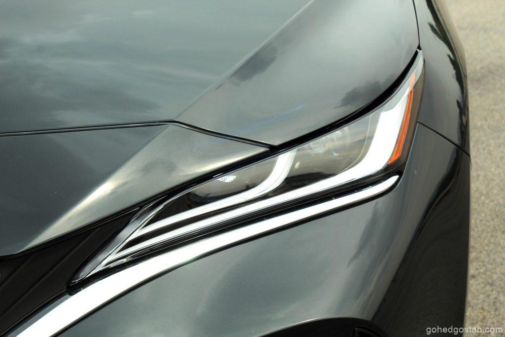 Toyota Harrier - front headlight - 2.2