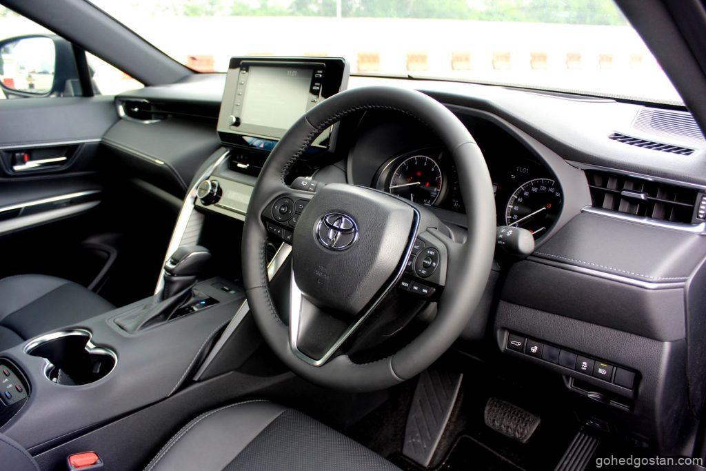 Toyota Harrier - cockpit driver - 3.1