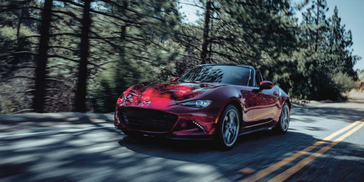 Mazda-MX5-front-left-rolling-05