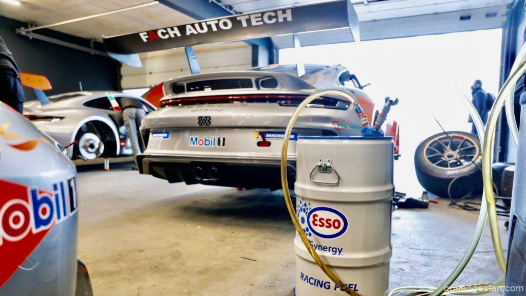 Porsche-Mobil-1-Supercup-back-right-pit-03