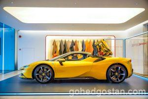 41-Ferrari-SF90-Spider-side-left-roof-closing-5