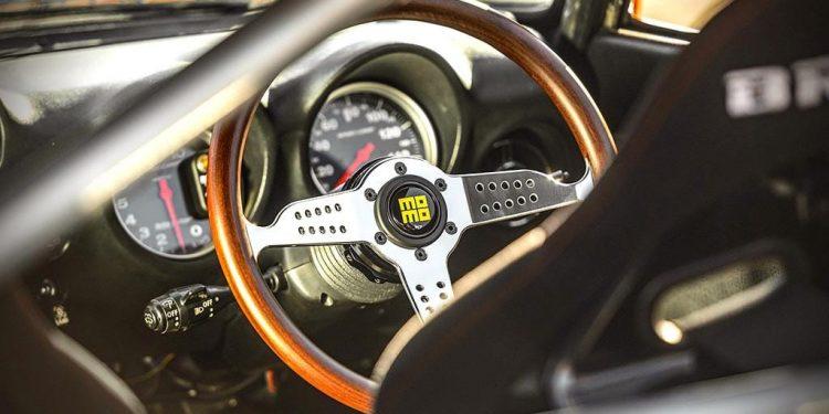 Momo-Heritage-steering-wheel 1.0