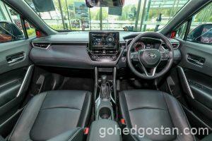 Toyota-Corolla-Cross-cockpit-6.0