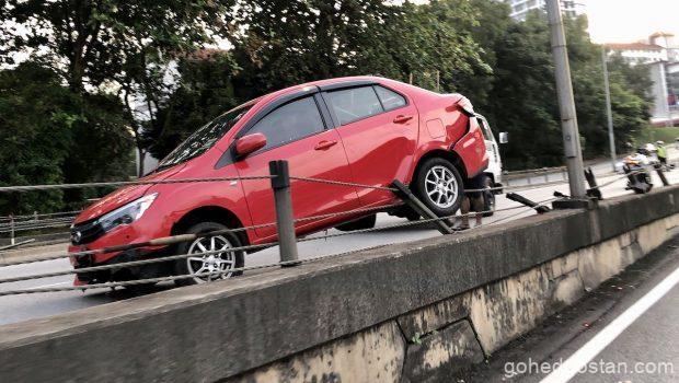 Memandu Bila Hujan Bezza-accident-section-16 1.0
