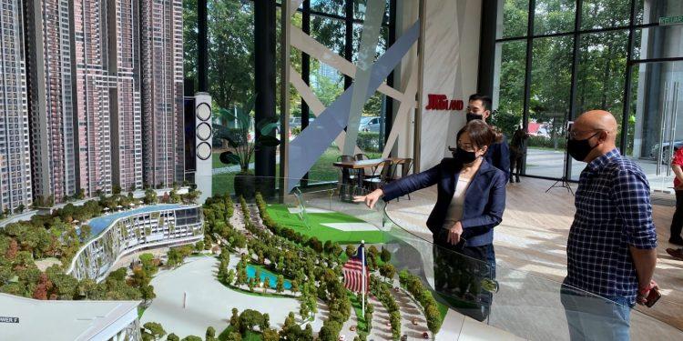 NissanX-Trail-Apartment-Ms-Irene-Koh-introducing-The-ERA-2.0