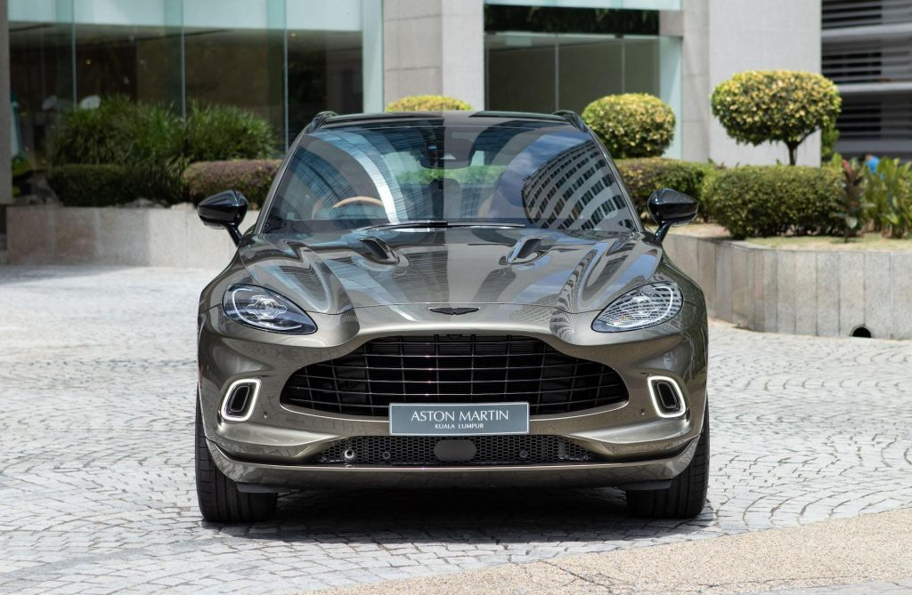 Aston Martin DBX Arden Green 10